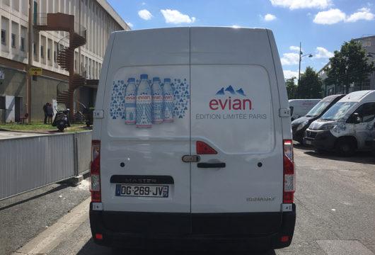 Flocage de véhicules utilitaire et de vitrines à proximité de Saumur, Distré, en Maine-et-Loire (49)