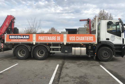 Flocage de poids-lourd, véhicules, utilitaires et de vitrines à proximité de Saumur, Distré, en Maine-et-Loire (49)